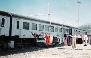 BOSNIA ERZEGOVINA Allestimento campi per profughi e cucine da campo durante la guerra